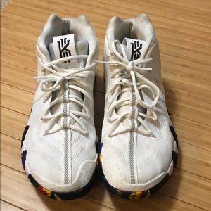 Kyrie 4 NCAA Basketball Shoes size 12